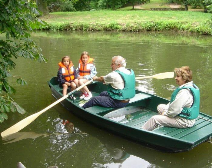 Promenade en barques au parc Caillebotte