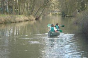 Prenez place à bord de canoës pour une virée sur l'Yerres